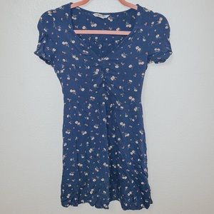 Blue short sleeve floral print dress